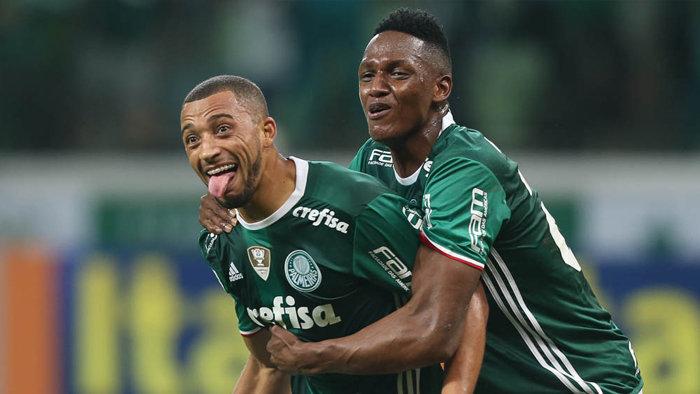 Os zagueiros Vitor Hugo e Yerry Mina marcaram os gols do Verdão na última vitória sobre o São Paulo. (Cesar Greco/Ag Palmeiras/Divulgação)