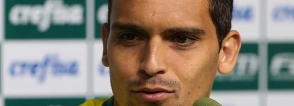 Jean admite foco na lateral e sonha com volta à Seleção Brasileira
