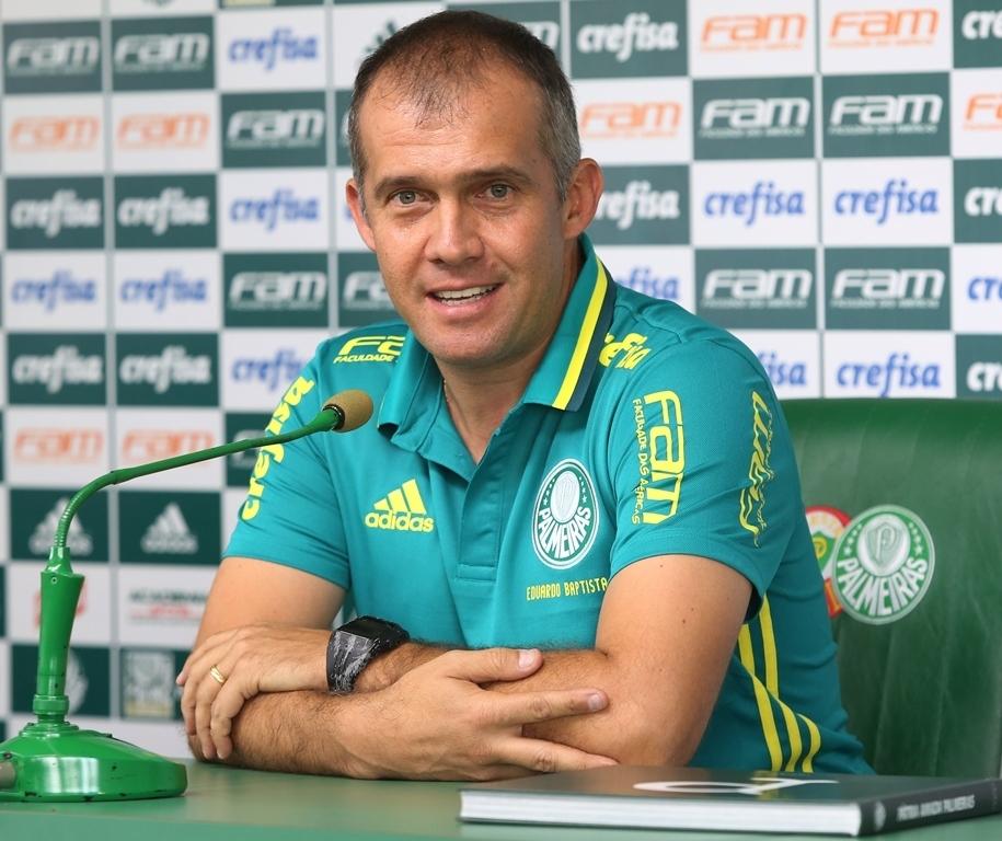 Eduardo Baptista concedeu sua primeira entrevista coletiva como técnico do Palmeiras. (Fabio Menotti/Ag Palmeiras/Divulgação)