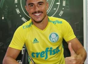 Atacante Willian assina contrato até o fim de 2019 com o Palmeiras