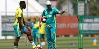 Baptista comanda treino tático e realiza ajustes para enfrentar Botafogo-SP