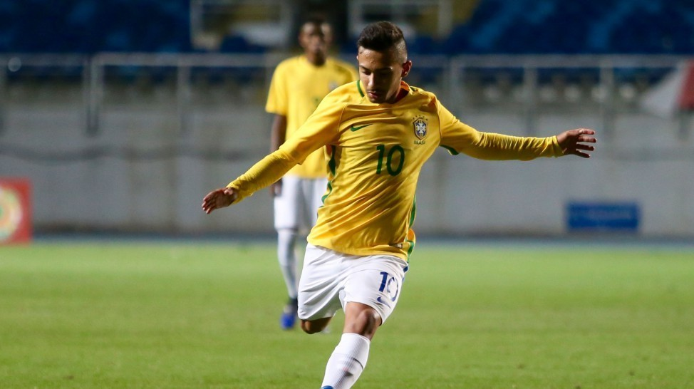 Alan deu as três assistências para os gols da vitória por 3 a 0 do Brasil sobre a Colômbia. (CBF/Divulgação)