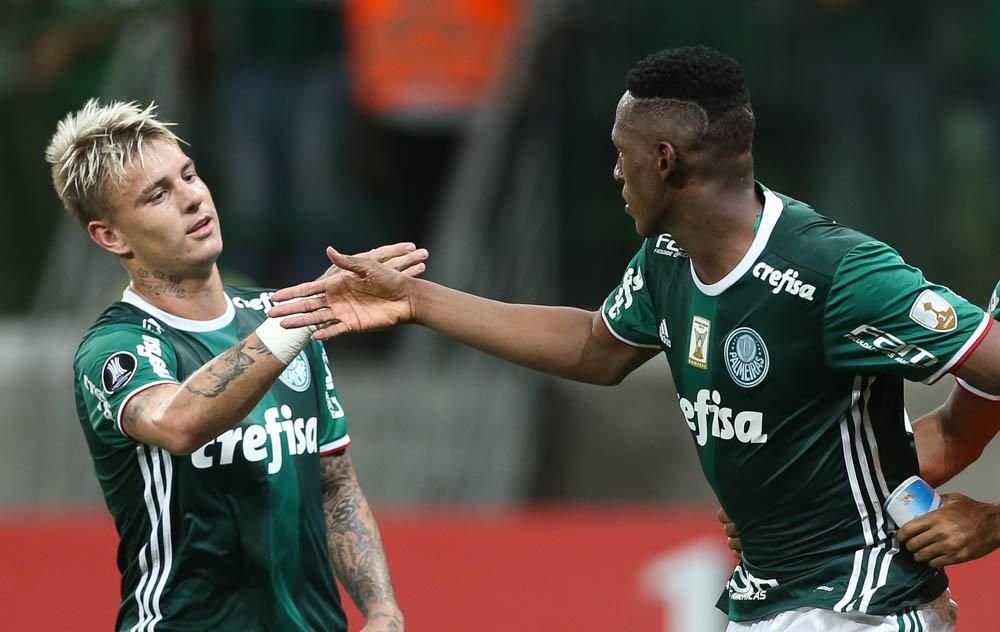Guedes foi o garçom da noite e serviu o gol de Mina no último ataque palmeirense no jogo. (Cesar Greco/Ag. Palmeiras/Divulgação)